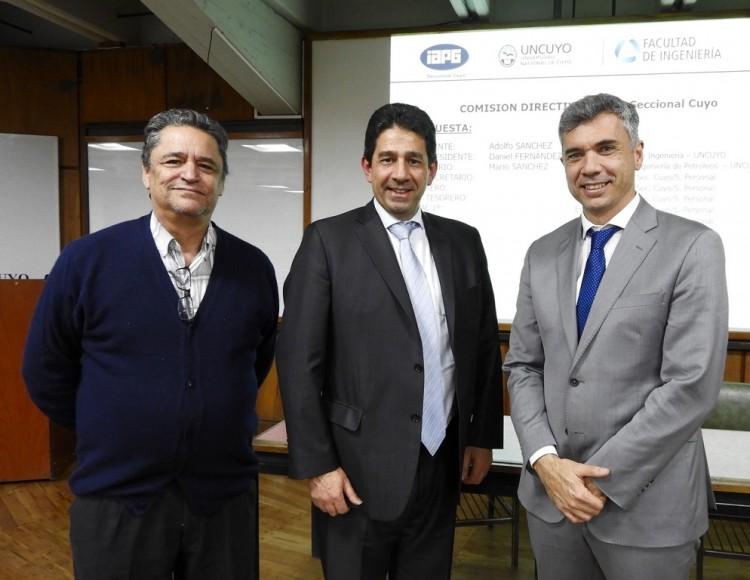 La Facultad forma parte de las autoridades del  Instituto Argentino del Petróleo y el Gas