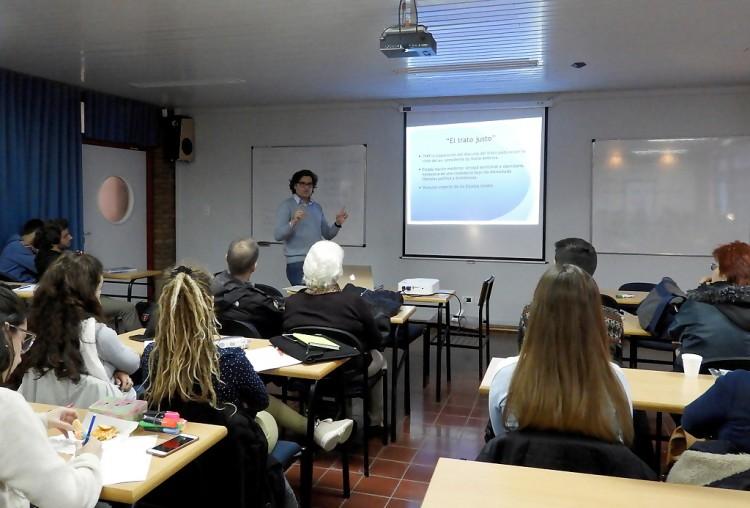 Profesor de la Universidad de Manizales brindó conferencia sobre ordenamiento territorial y ética