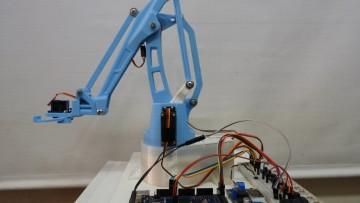 Construyen brazo robótico para uso de distintas cátedras