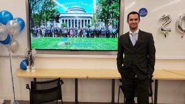 Graduado de la Facultad realizó curso de posgrado en el MIT