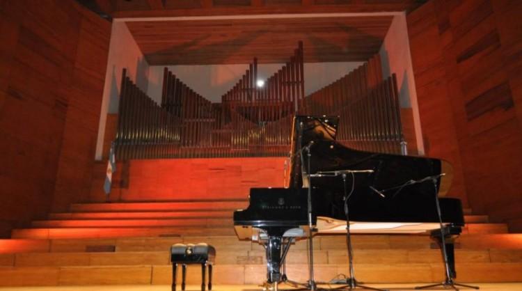 Charla sobre Ingeniería acústica en salas