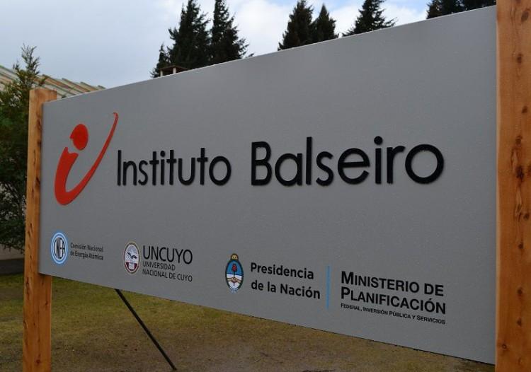 El Instituto Balseiro convoca a presentar propuestas para trabajos finales