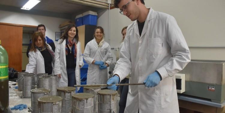 Investigadores de la Facultad exploran la construcción de cemento con plástico