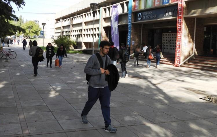 Convocatorias Internacionales para estudiantes, egresados y docentes