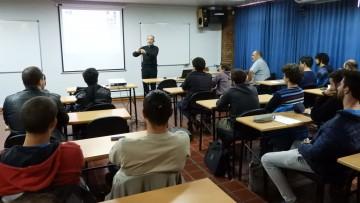 Especialista expuso sobre  planificación de movimientos en robótica