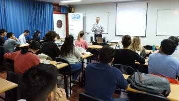 Luis Bacarreza brindó conferencia sobre performance de operaciones en pozos petroleros