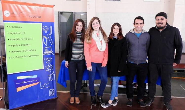La Facultad presentó su oferta educativa en colegios de la provincia