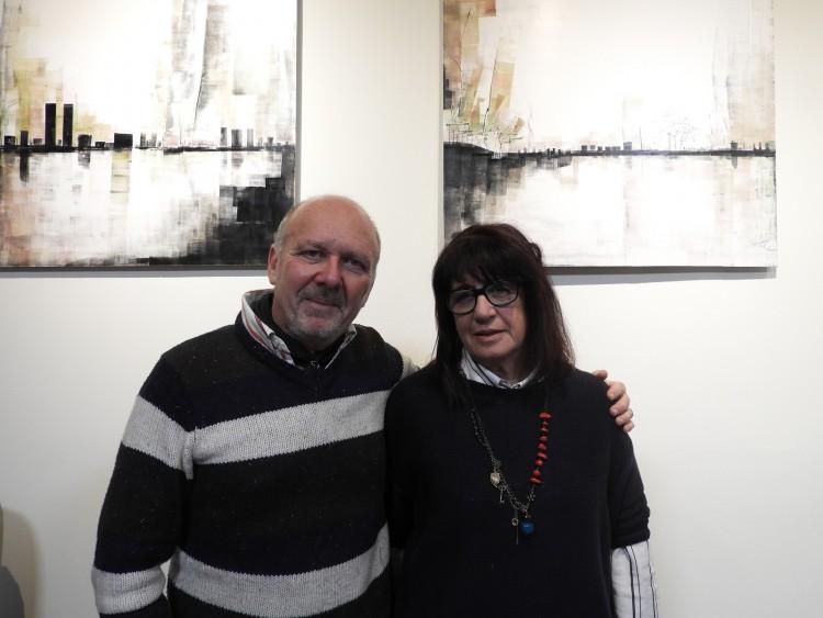 El Director de la Diplomatura, Mgter. Arq. Jorge Gonella y la Directora de la carrera de Arquitectura, Arq Mónica Elmelaj