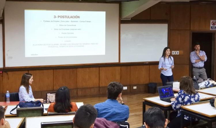 Estudiantes y graduados participaron de taller de Empleabilidad
