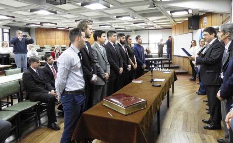 Prestaron juramento 15 nuevos egresados