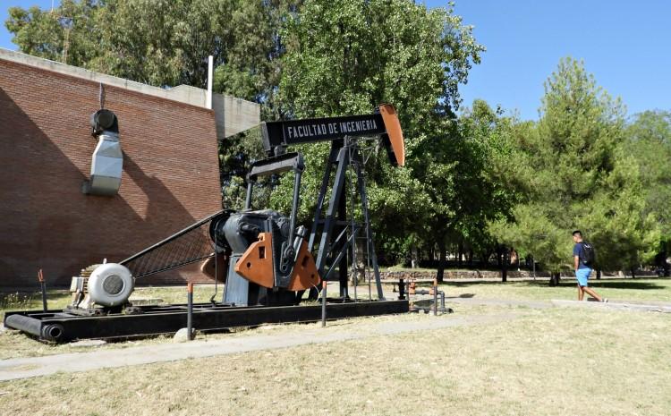 La Facultad de Ingeniería celebra el Día del Petróleo y el Gas en Argentina