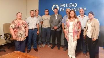 Decano de Universidad de La Rioja visitó la Facultad para conocer la carrera de Mecatrónica