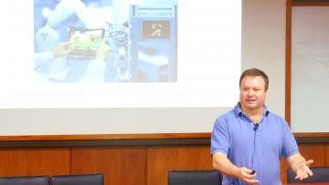 Sergio Scaglia brindó conferencia sobre IoT e Inteligencia Artificial