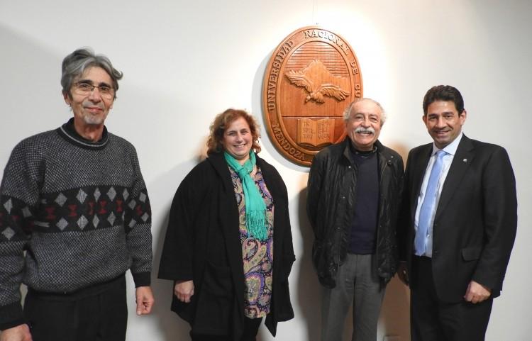 Docente de la Facultad fue reconocido como profesor emérito de la Universidad
