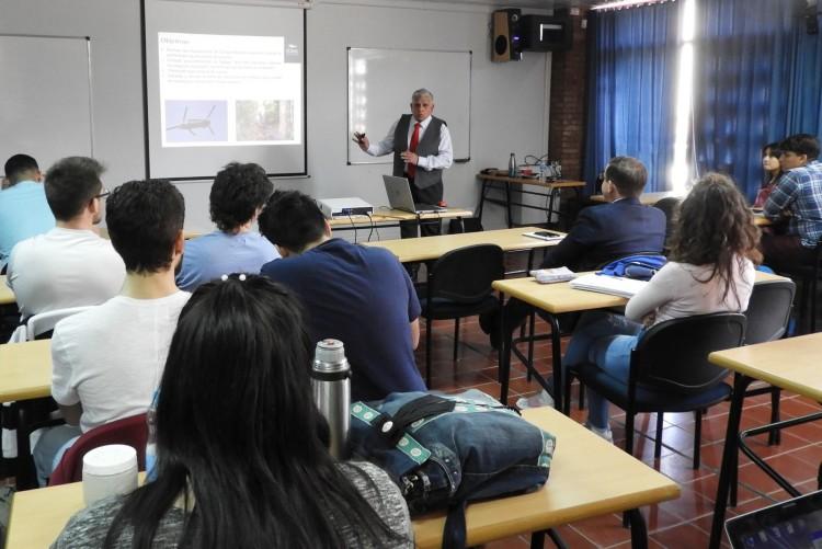 Especialista brindó charla sobre perforación en áreas remotas de la selva