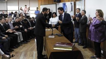 El Decano tomó juramento a nuevos egresados de la Facultad