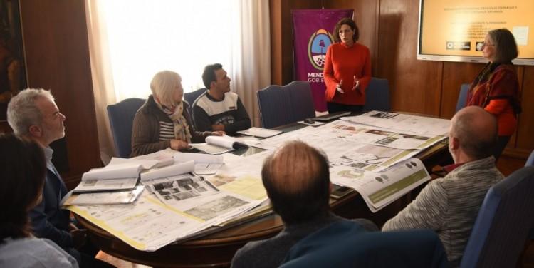 Estudiantes y docentes de la Facultad relevaron el patrimonio histórico del Ecoparque