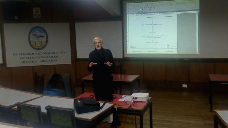 Experto francés dictó curso sobre control de calidad mediante visión artificial