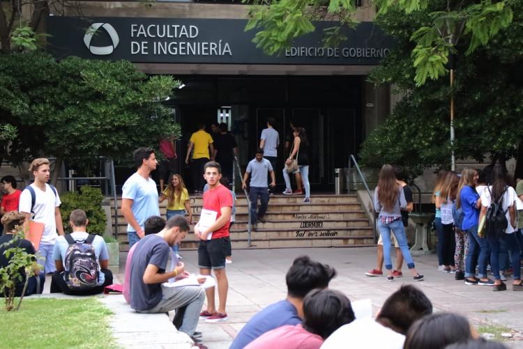 Convocatoria abierta para el Programa de Asignación de Fondos para Actividades Estudiantiles Extracurriculares