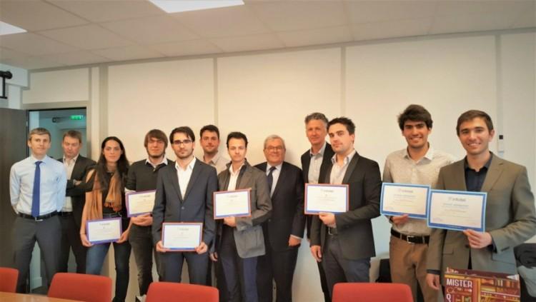 Estudiantes premiados - Infotel 2017