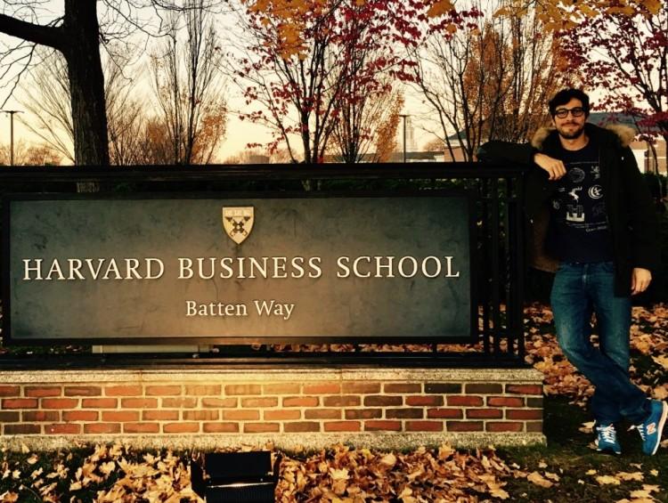 Egresado de la Facultad estudia en Harvard
