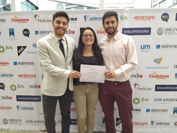 Estudiante participa de proyecto premiado en el Concurso Emprende U