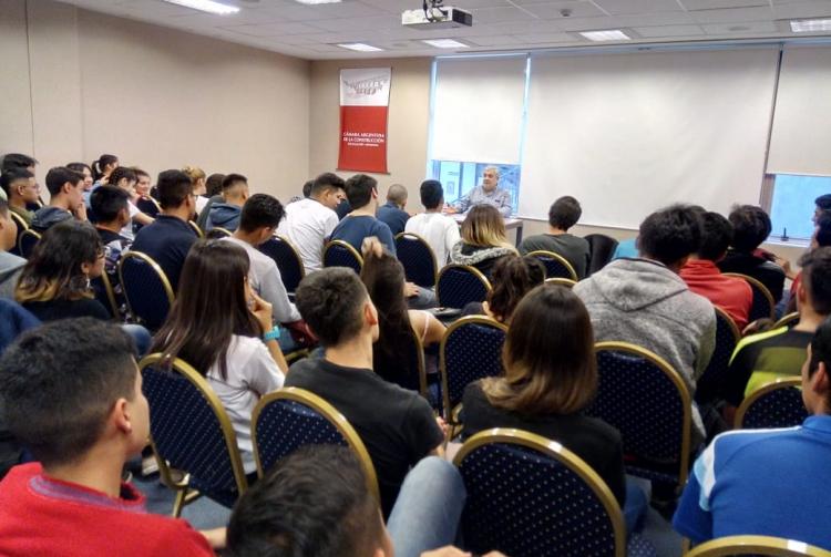 La Facultad realiza actividades conjuntas con la Cámara Argentina de la Construcción