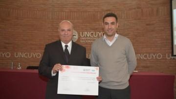 """Proyecto de investigación de la Facultad recibió la distinción """"Gustavo Andrés Kent"""""""