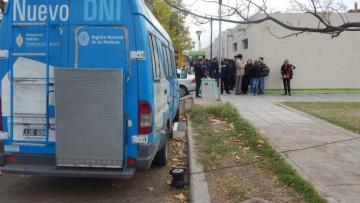 """Los servicios de """"La Provincia en tu barrio"""" llegan a la UNCUYO"""