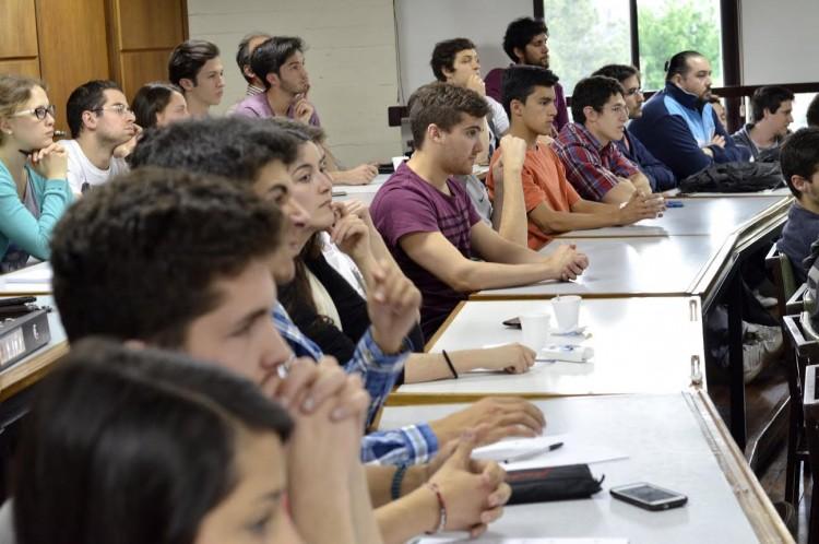Reunión informativa sobre Programas de Movilidad Estudiantil de la Facultad