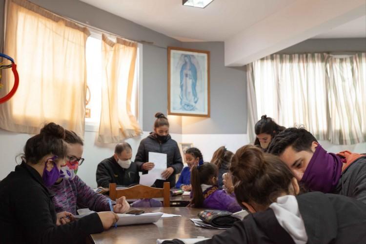 Estudiante creó programa de capacitación en comedores de la provincia