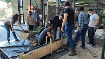 Estudiantes de Ingeniería Civil realizan práctica de hormigón