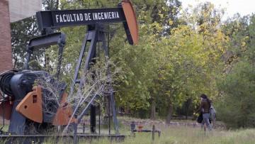 Pasantía internacional para Ingenieros de Petróleos